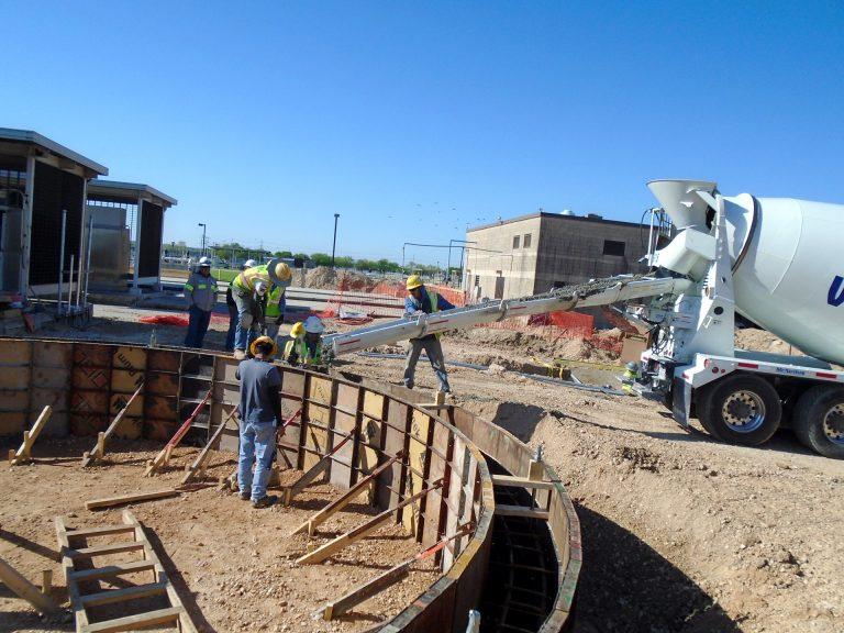 Dos Rios Sludge Blending Tank Construction